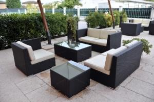 elegantes Gartenmöbelset aus Polyrattan