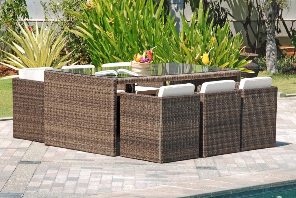 luxuriöse Sitzgruppe auf einer Terrasse